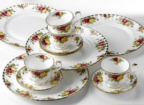 Royal Albert OLD COUNTRY ROSES 12-Piece Set * 4 each dinner plate teacup \u0026 saucer & China Dinnerware Formal Dinnerware Royal Albert oldcountryroseschina ...